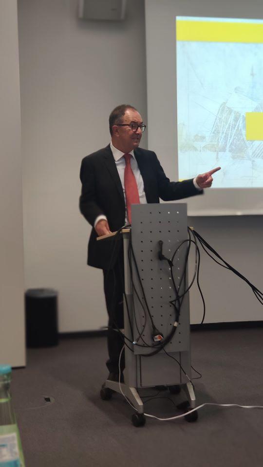 Erwin Staudt bei seinem Impulsvortrag