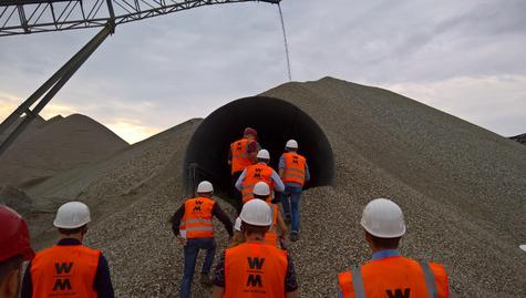 Traineetreffen am Kieswerk der WOLFF & MÜLLER Baustoffe